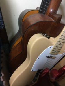 ギター教室のギター